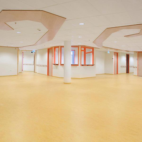 Isala Kliniken, Zwolle NL, Forbo, Architectenbureau Alberts & Van Huut, by mtextur