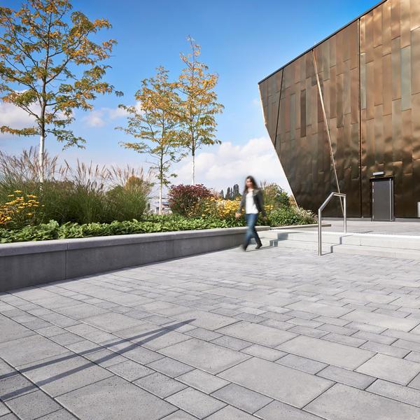 Stadthalle Troisdorf, KANN GmbH Baustoffwerke, FSW LA Landschaftsarchitektur, by mtextur